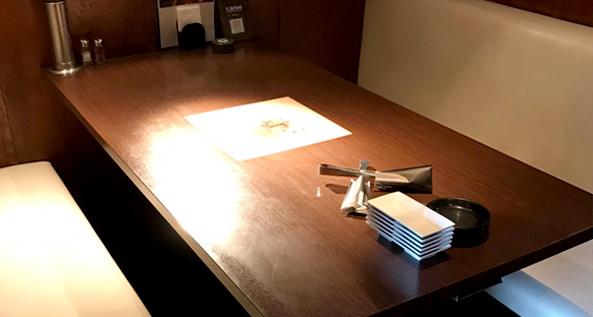 焼肉食べ放題ブイブリアン テーブル席